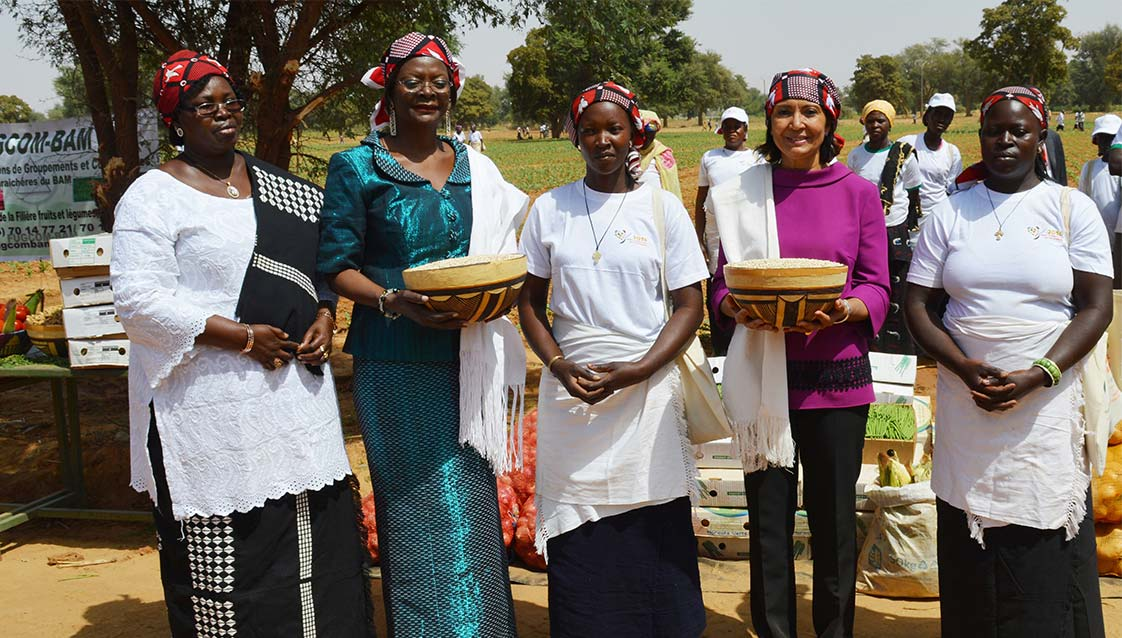 10 February 2017, Ouagadougou Burkina Faso - First Lady of Burkina Faso Sika Kaboré and FAO's Deputy Director-General Maria-Helena Semedo attend the International Year of Pulses (IYP) closing ceremony.